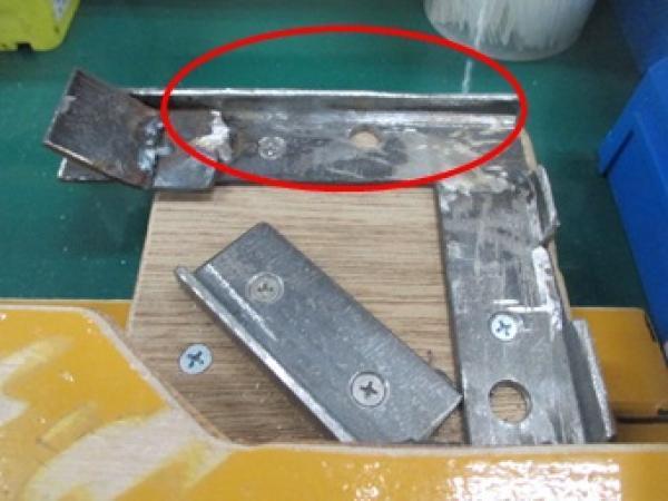 取付台のガタつき防止